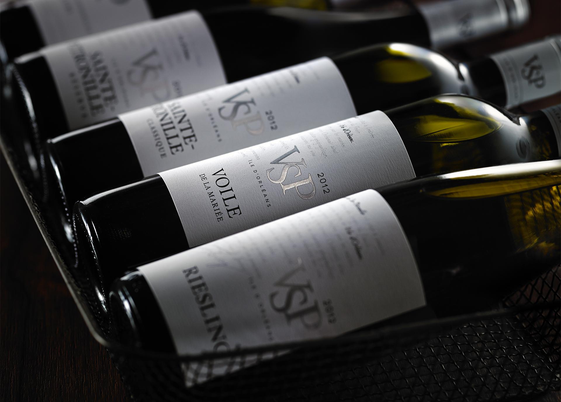 wine-bottle-photographer-label-tango-photography