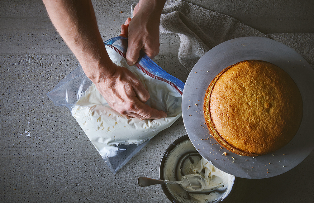 cooking-tips-make-your-own-piping-bag-4-tango-photography