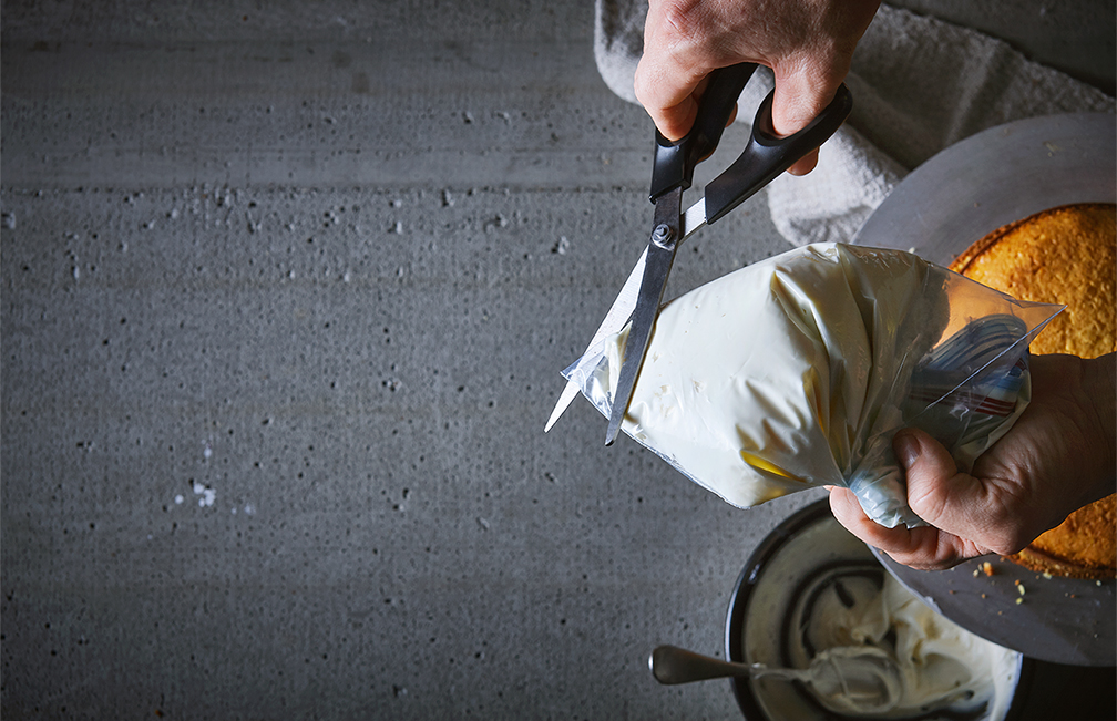 cooking-tips-make-your-own-piping-bag-6-tango-photography